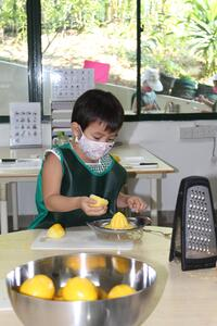 Child juicing